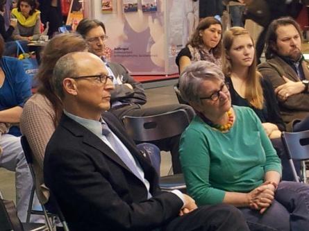 Zuhörerinnen und Zuhörer Vortrag Herr Bosold
